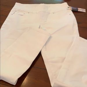 NWT JAG High Rise Skinny Jeans!
